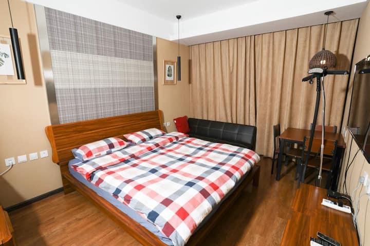 洱海边温馨家庭大床房-近高铁站-机场-金沙半岛酒店