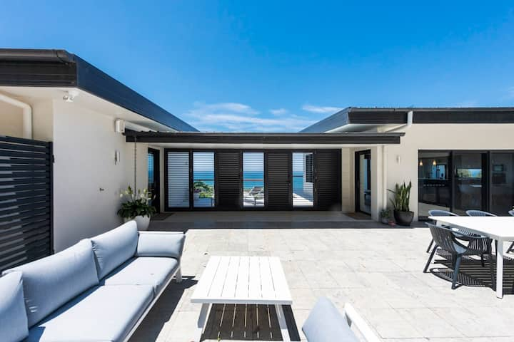 The Outlook at Sapphire - Luxury, Privacy & Views