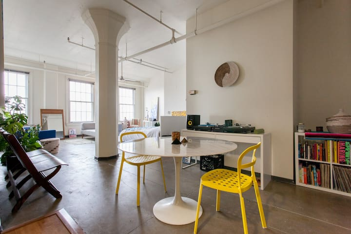 High Ceiling Open Artistic Loft in the Pearl - Portland - Pis