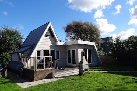 vrijstaand huis aan kust strand zee - Callantsoog - Kabin