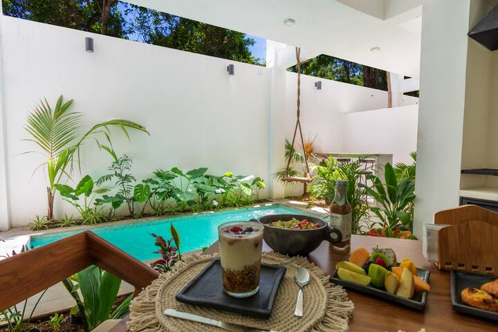 Intimate Apartment w/Private Pool · Moots 102