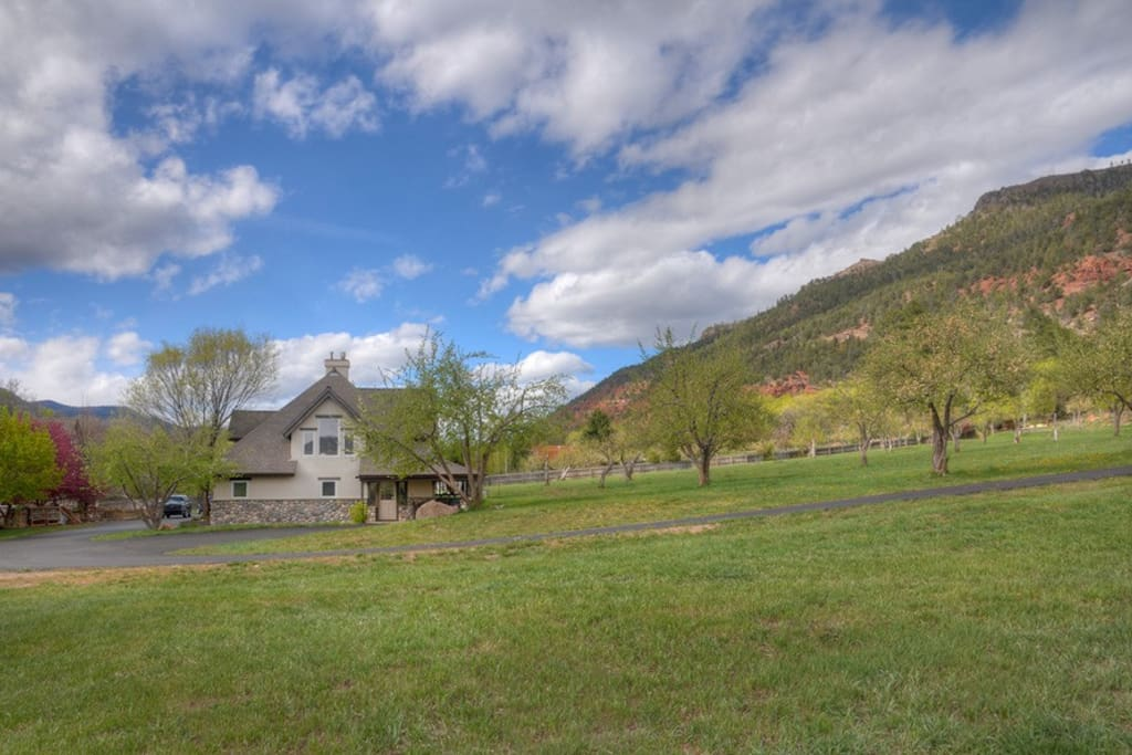 Apple orchard Durango Colorado vacation rental Two Bears River Guest House