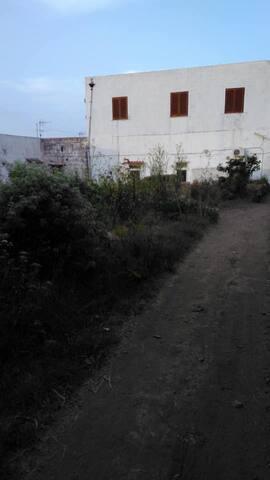 Monolocale silenzioso in campagna vicino al centro