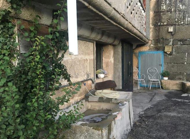 Casa roots a 3km del centro de Ginzo de Limia
