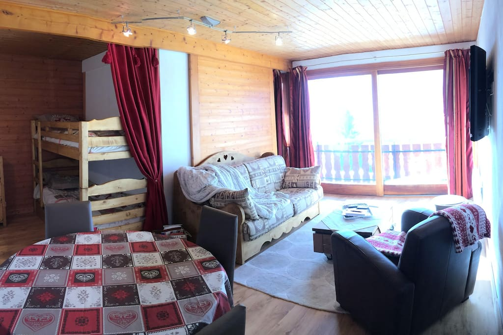 Living-room and bunk beds corner