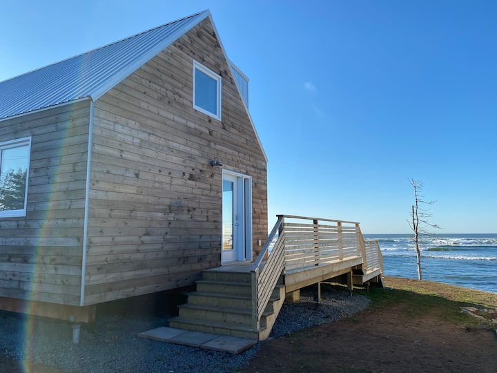 Oceanfront Cabin in Lawrencetown