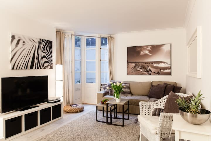 NEW! 3 BEDR/4BEDS/ COVENT GARDEN, 3 MIN to SUBWAY!