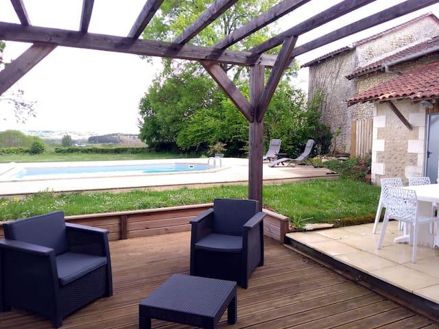 Ferme restaurée en Dordogne Périgord Vert