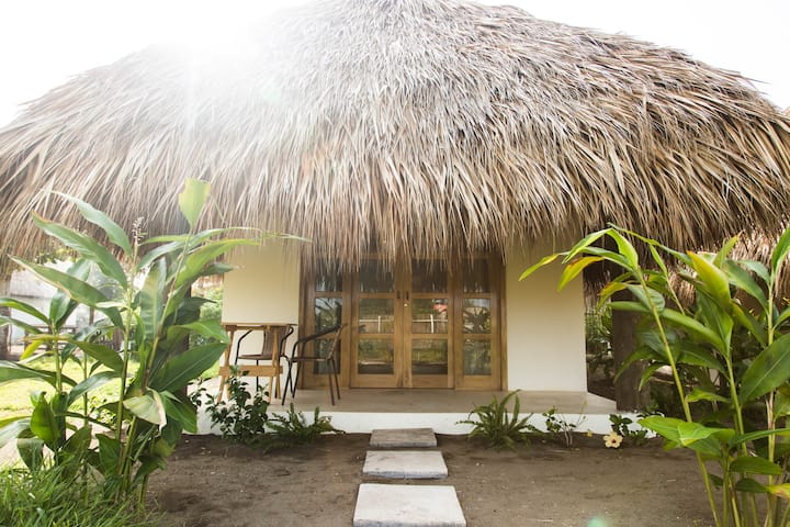 Hidden Wave- Private Villa with AC