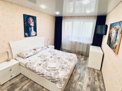 Двухкомнатная квартира в центре на ул Плеханова 65