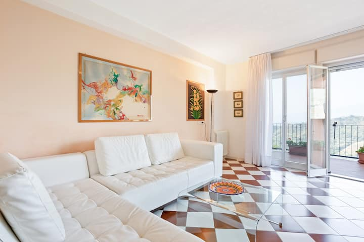 Taormina Apartment with Panoramic View