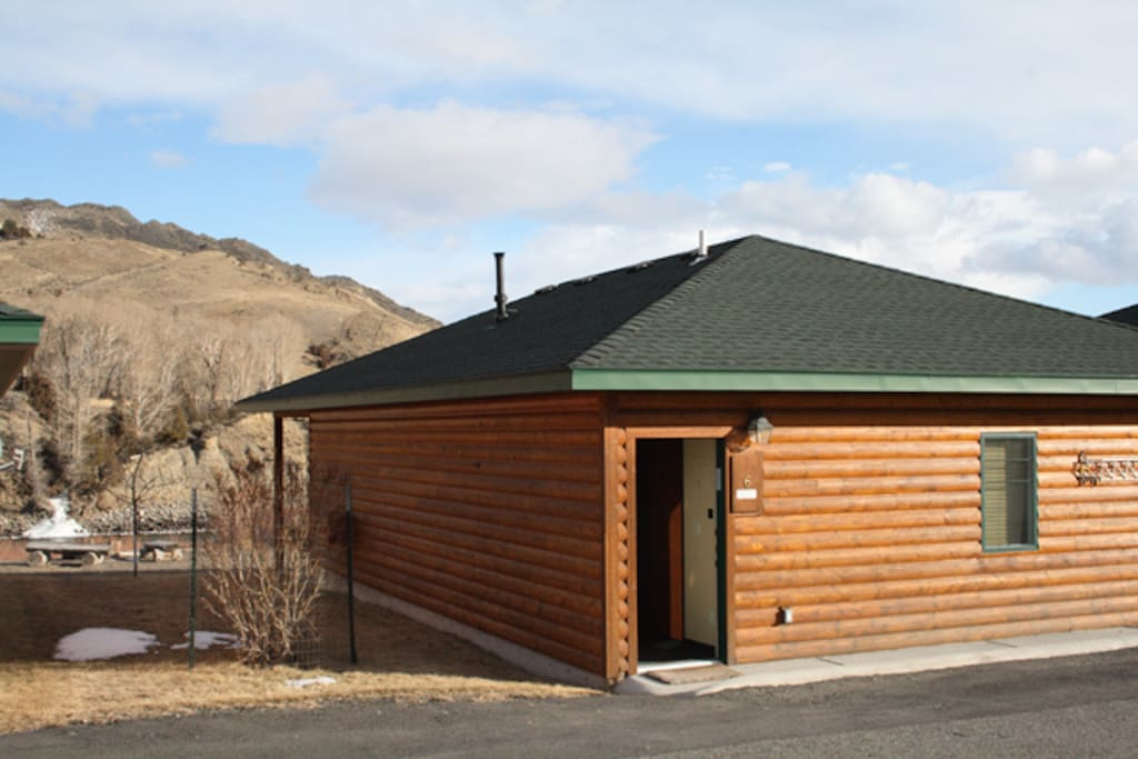 Free-standing cabin--2 BR/ 2Ba