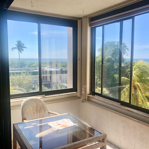 Gorgeous Beachfront Condo at Sandarac