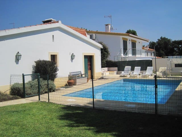 Family villa near golf & the sea - Alto das Vinhas - Huis