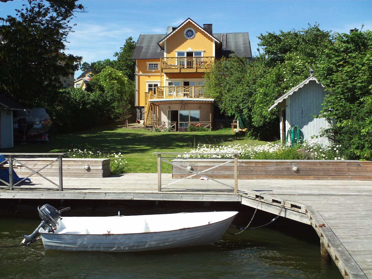 Waterfront villa, private pier, rowing boat with 6 hp motor and life jackets available
