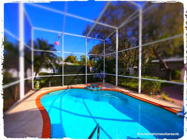 KEY WEST STYLE POOL VILLA - Nokomis - House