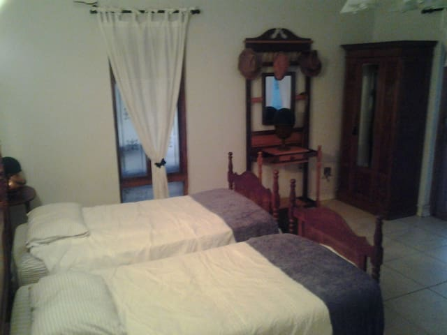 Fully furnished apartment - Krugersdorp - Appartement