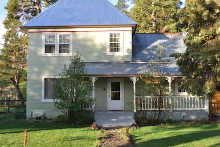 Historic, charming Sierraville CA - Sierraville