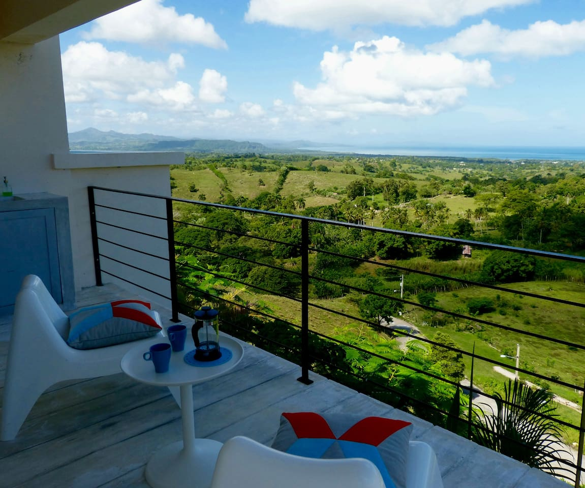 High above the surrounding countryside, the studio enjoys quietness and relaxing views.