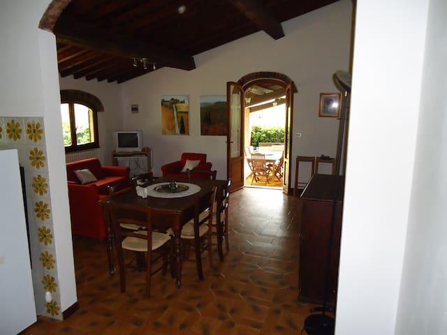 Tipica casa Toscan in campagna - Calenzano - บ้าน
