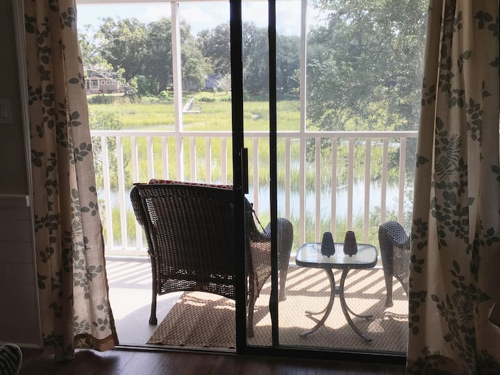 Mt. Pleasant Condo. GREAT view of Shem Creek-RELAX