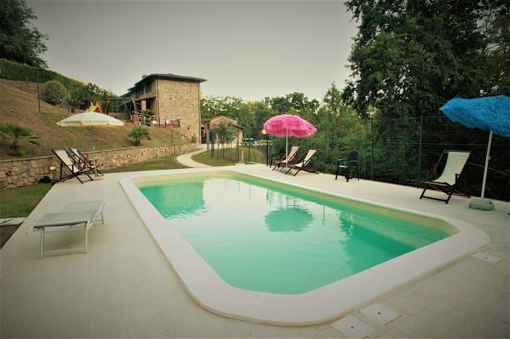 Grande casa di campagnaToscana con piscina privata