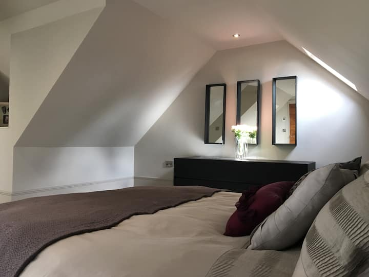 Amazing top floor en-suite high spec double room