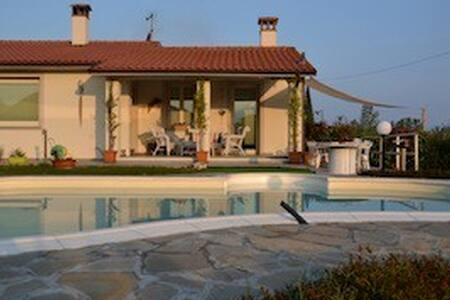 Modern house with swimming- pool. - San Rocco - Casa