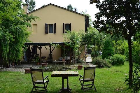Villa delle Rose Near Venice First Floor Apartment