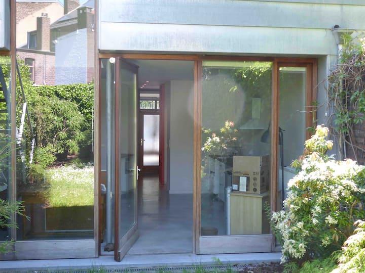 Loft , appartement tout équipé avec jardin /Liège