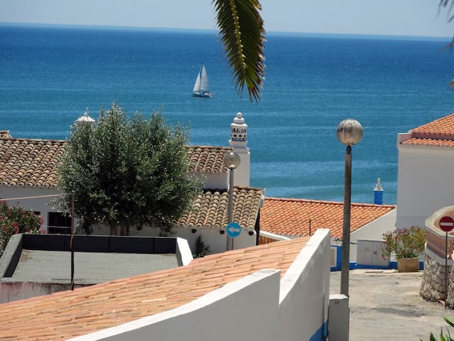 OCEAN VIEW DUPLEX 150M FROM BEACH