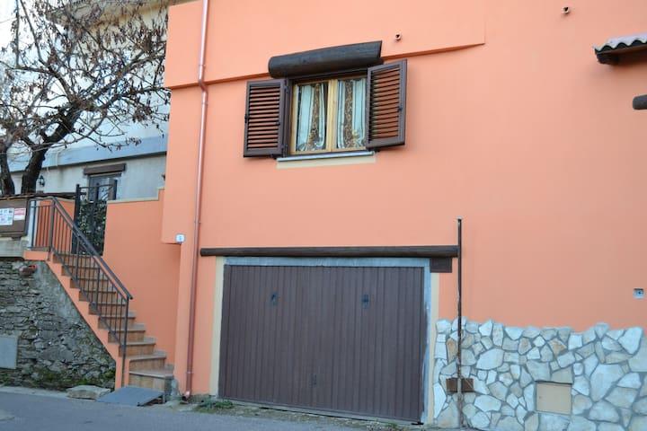 Aritzo, Appartamento bello e comodo - Aritzo - Daire