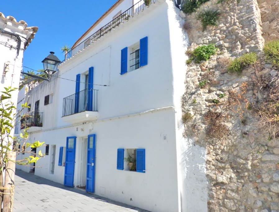 Casa nueve ibiza town houses for rent in ibiza islas - Ibiza house renting ...