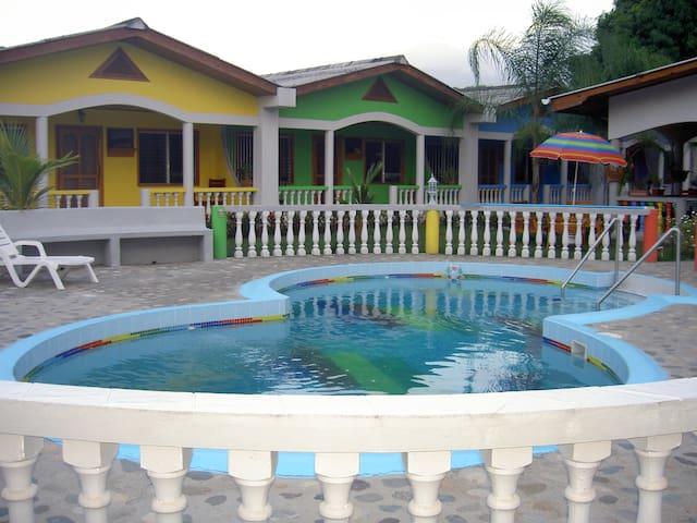 Apartment mit 2 Schlafraeumen - La Ceiba - Byt