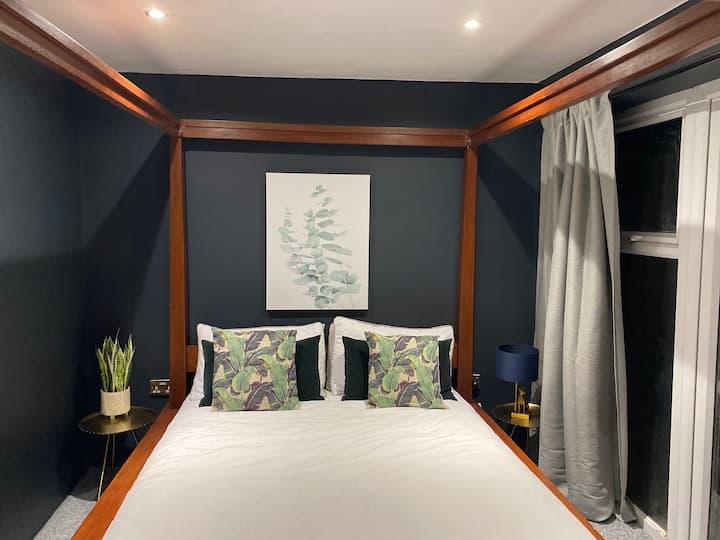 Stunning, ground floor 1 bed flat near Montpellier