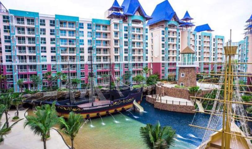 Grand Caribbean condo and resort