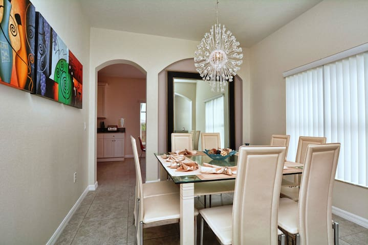 Elegant 4 Bedroom Holiday Home - Balmoral 616 - Four Corners - Appartement