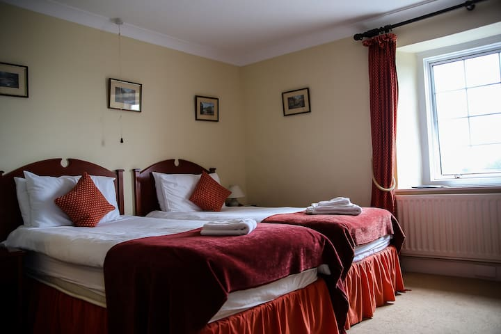 Rest and Be Thankful Inn Exmoor Room 2 - Wheddon Cross