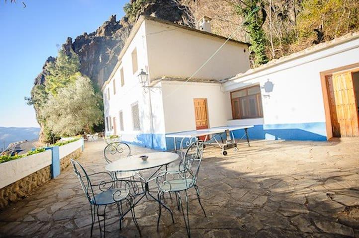 Casa Rural El Olivo. Alpujarra.