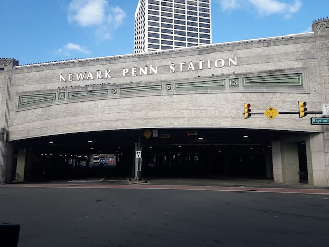 BR 5m walking from Newark Penn Station and 20m NYC