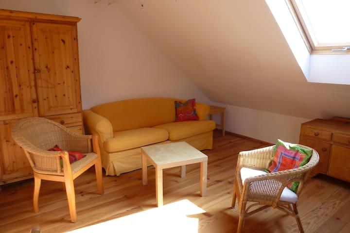Sonniges Zimmer für kurze- oder lange Aufenthalte - Michendorf