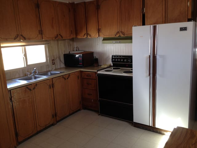 Cozy Quiet 2 bedroom Mobile home - Orangeville - Other