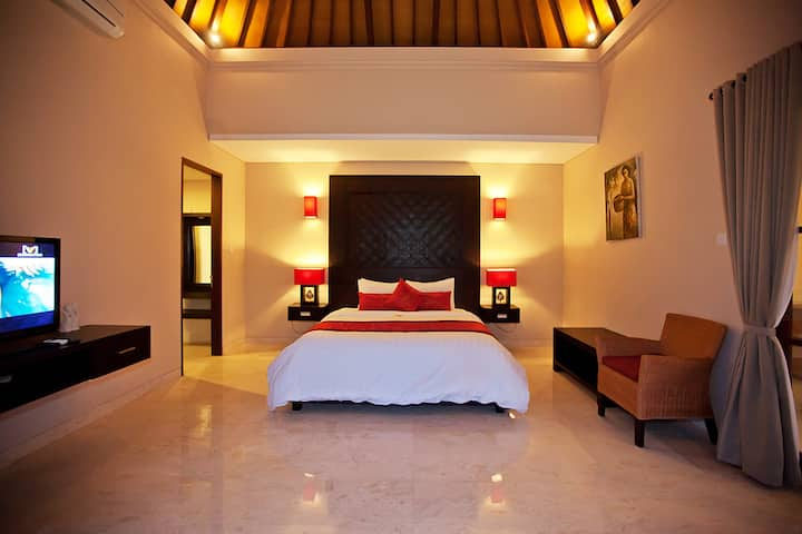 Huge Deluxe rooms at Seminyak | PROMO!!!