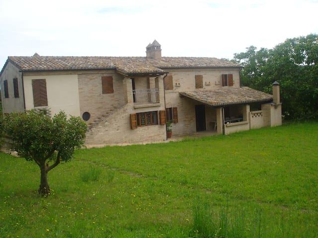 Casale di campagna affitto - Monterubbiano - Huis