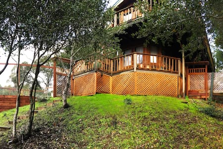 Romantic Getaway with Mountain Views - Forest Knolls - Квартира