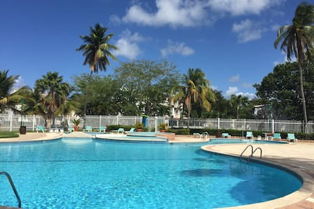 Remodeled 4 Bedroom Beach Villa-Dorado Resort Area - Dorado - วิลล่า