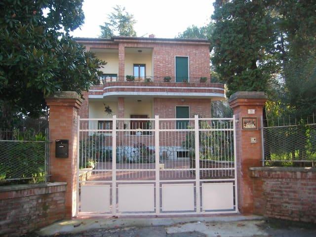 La Pineta - Villa singola con parco recintato