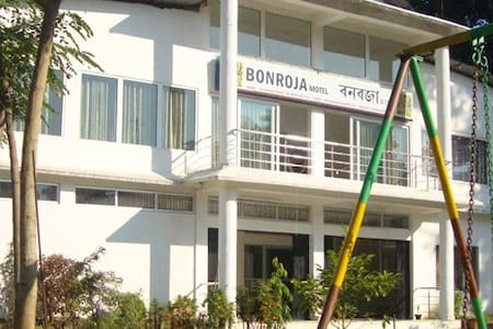 BONROJA MOTEL, BAGORI SAFARI POINT