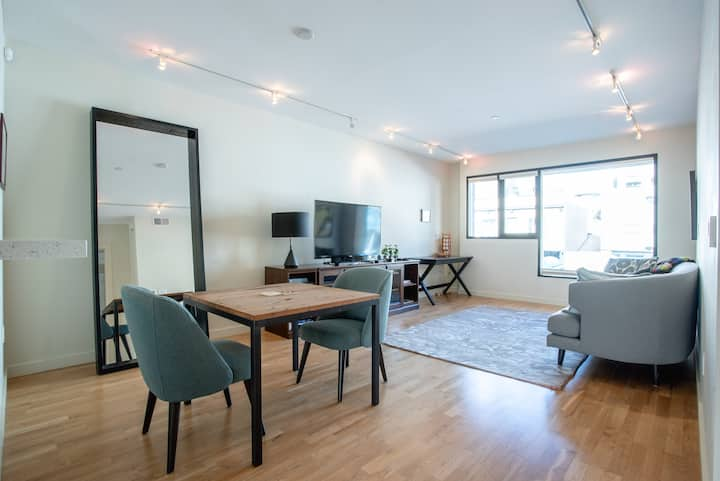 Upscale Hayes Valley Condo w/Laundry & Parking