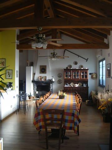 Loft/dependance 15min from MXP  - Oleggio - Rumah